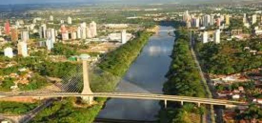 Teresina e a ponte estaiada sobre o Rio Poty